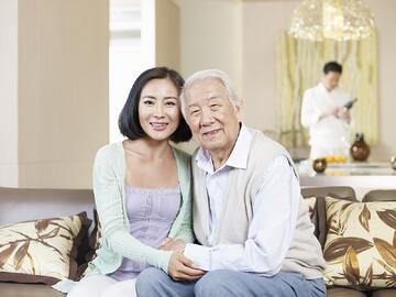 At CaregiverAsia, freelance caregivers offer flexible rates depending on time, day of the week, the urgency of the request and other factors.