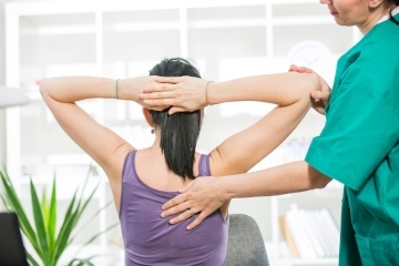 Back pains? Find out how chiropractic therapy helps you