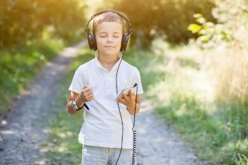 需要放松吗?更深入地了解音乐疗法,以及为什么这正是您需要的的原因。
