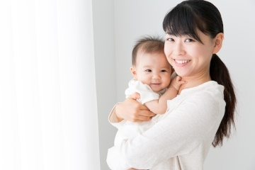 Not sure if you should get a confinement nanny? Read more about how a confinement nanny Is the pillar you need during your confinement period.