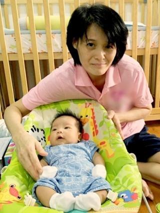 Nanny_and_Chick.jpg