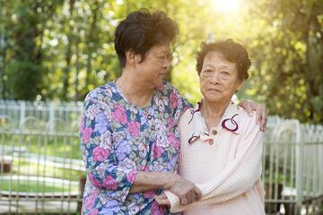 To alleviate the suffering of patients with sundown syndrome, it is important for caregivers to avoid triggering factors, create a conducive environment and empathize with them.