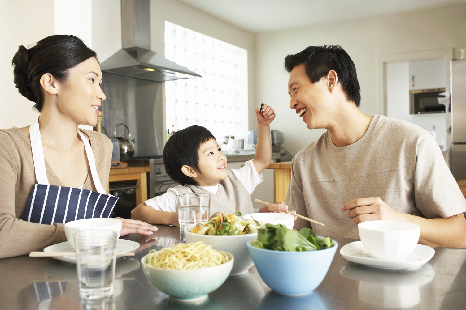 Establish healthy eating habits as a family.